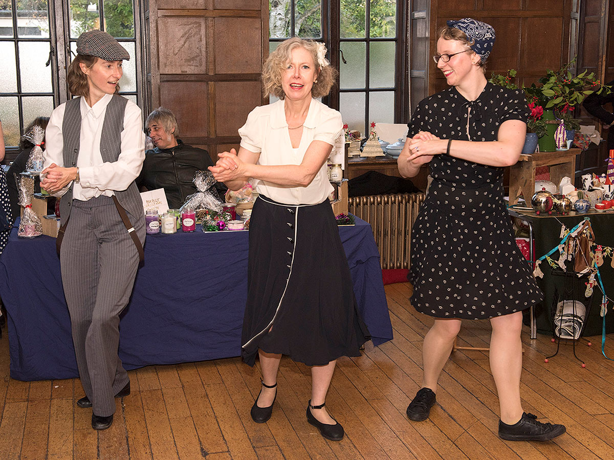 lind hoppers dancers at doyouvintage fair